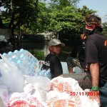 2011 flood desaster donation 042