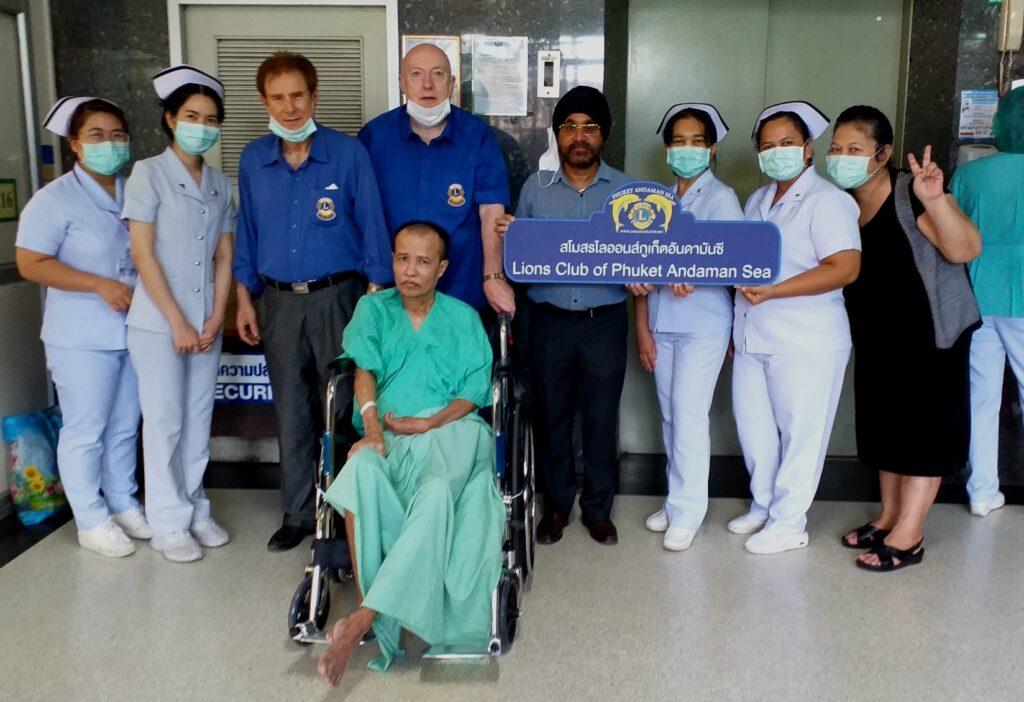 14-11-2020 Wheelchair donation (4)